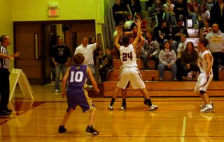 12-03-09_Cougar_boys_Nathan_Wthrby_bball