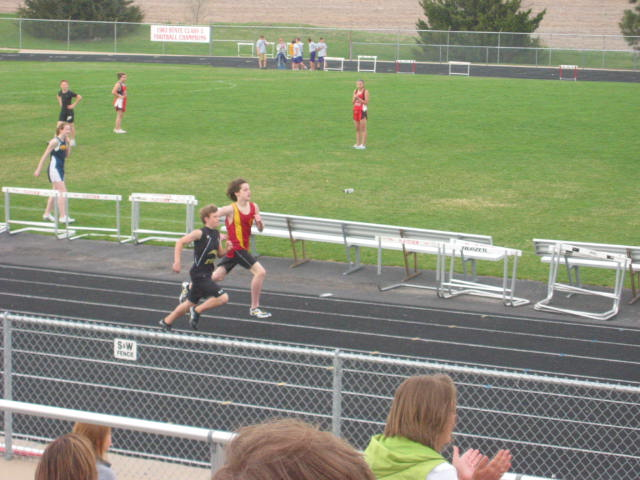 2010-04-15_Maybe_a_photo_finish