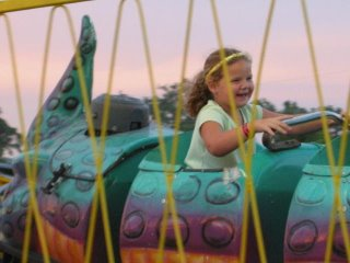 08-14-2010_CC_FAIR_CHILD_on_RIDE